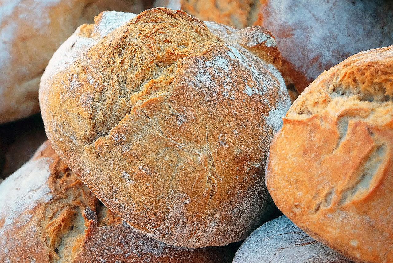 Image to the word хлеб,  Pictures gallery of Zinkod, хлеб,еда,печь,выпечка,, Хлеб – древнейший продукт, изобретенный человеком Первоначально люди употребляли в пищу зерна различных злаков, затем стали готовить жидкую кашицу из перетертых зерен и воды – так называемую хлебную похлебку